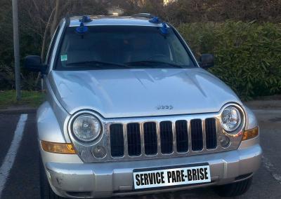 reparation-remplacement-pare-brise-jeep-vehicule-leger